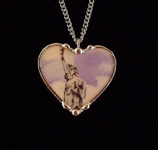 Antique & extremely rare china Statue of Liberty china broken china jewelry heart pendant necklace