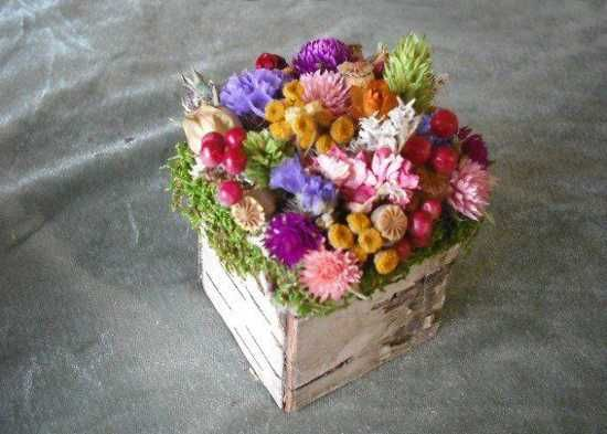 dried flower arrangement for home decorating