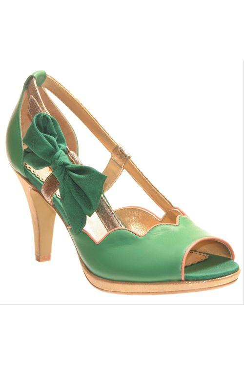 Love this green heel!