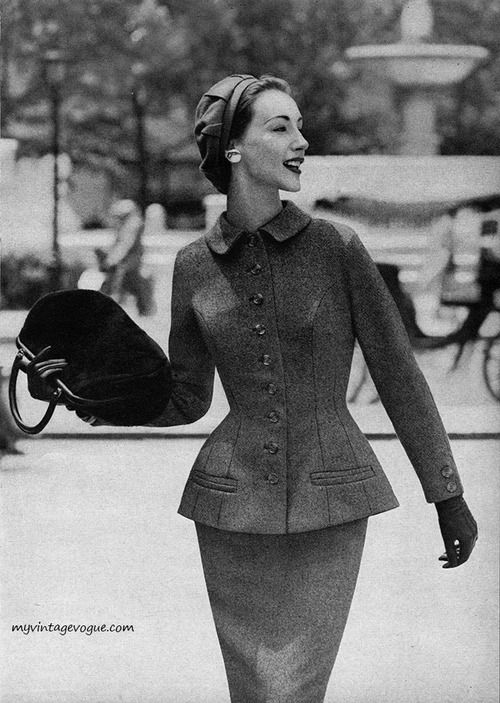 Gorgeously feminine tailoring. #vintage #fashion #1950s #suit