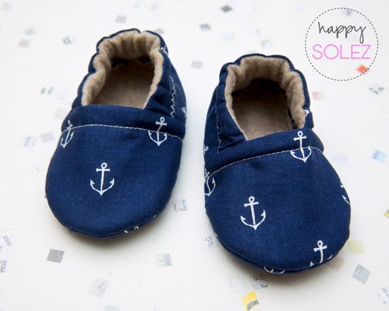 Navy Anchor Baby Booties by HappySolez on Etsy » If I had a baby they would certainly be wearing these booties, they are so cute!