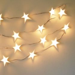 Add a little whimsy to your decor with this easy DIY star light garland! ??