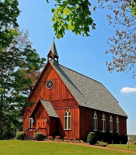 Country church by lu2513