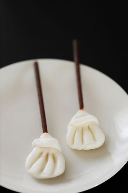 Super cute little edible Halloween Brooms #Halloween #food #broom #dessert #snacks #candy #treats #chocolate