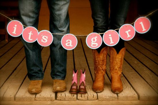 Adorable way to make the big announcement!