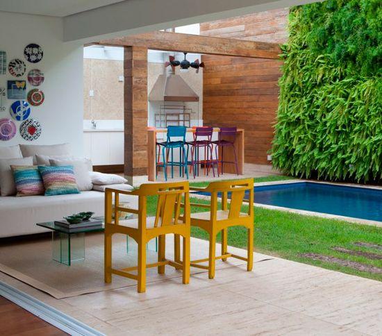 Todo charme de ter uma churrasqueira em casa. Veja como: www.casadevalenti... #decor #decoracao #interior #design #outdoor #color #churrasqueira #casadevalentina