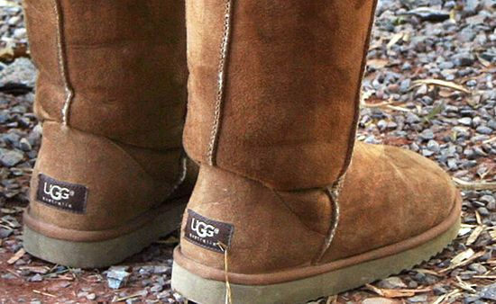 Its not winter yet but fall is around the corner. Get your boots ready with The Ultimate UGG Boot Cleaning Guide. Via cleanmyspace.com