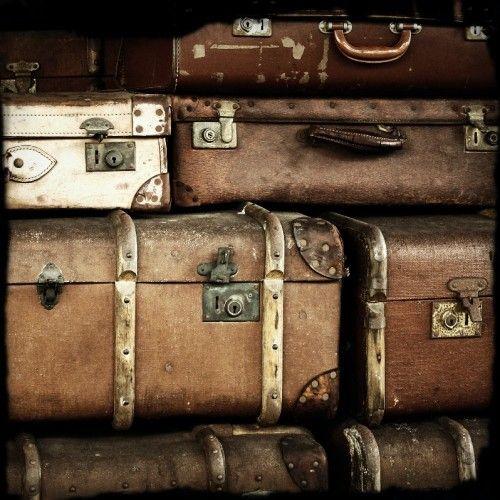 love antique suitcases
