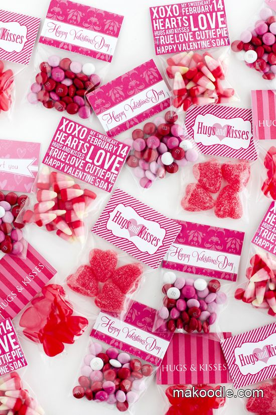 Valentines - Valentine card & gift ideas - DIY Valentine's Day Free Printable Treat Bag Toppers - #valentines