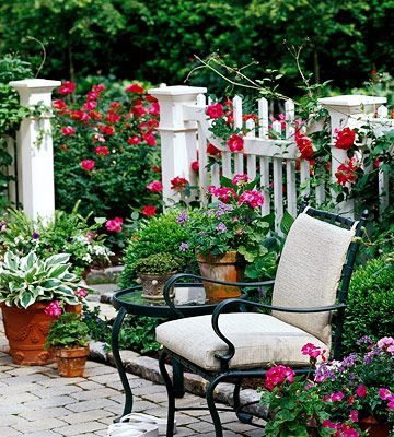 Love the white fence!