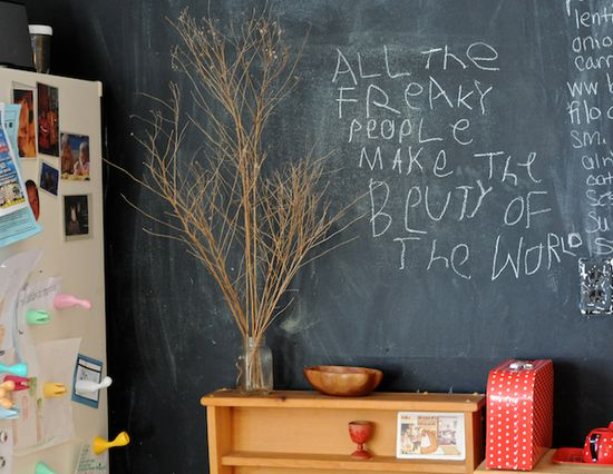 always love a good chalkboard wall. :)