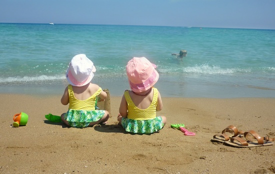 cute baby picture idea for the beach!