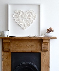 Valentine's Day 2013 - Romantic Valentine Self Made Decorations on top of the Fireplace in a Country Life Style! (Photo Perscentrum Wonen)