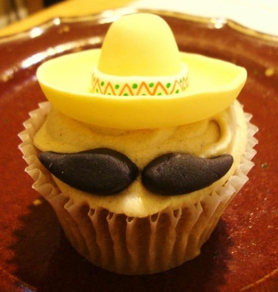 Cinco de Mayo cupcakes - too funny!