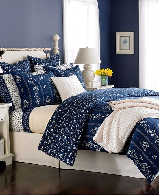 i just love a palette of blues in the bedroom