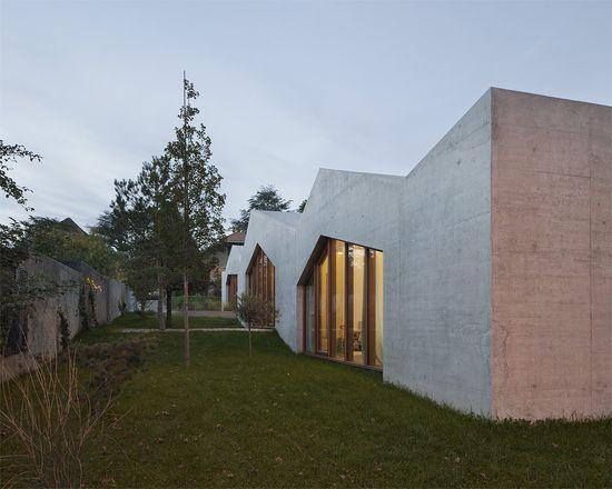 LOCALARCHITECTURE . confignon house