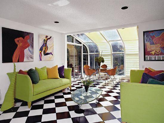 Cozy Black and White Floor Interior Decorations