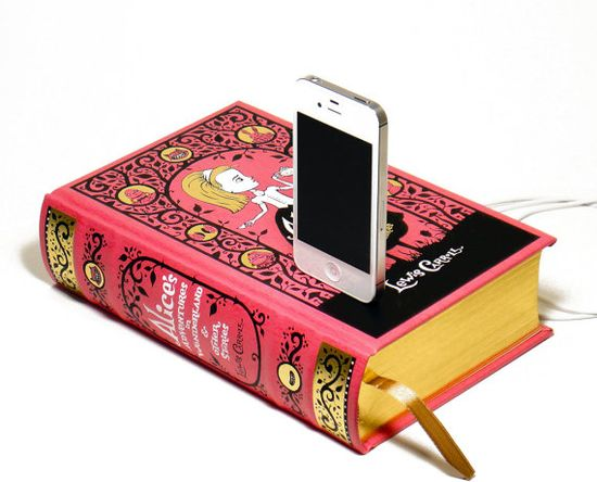 Alice in Wonderland Book Charger for iPhone 4S...cool!