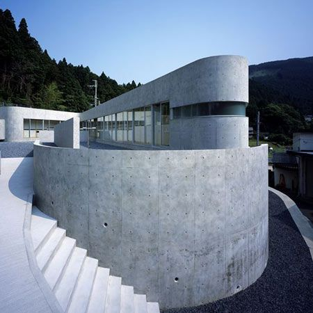 Horizontal House, Shiga, Japan by EASTERN Design Office.