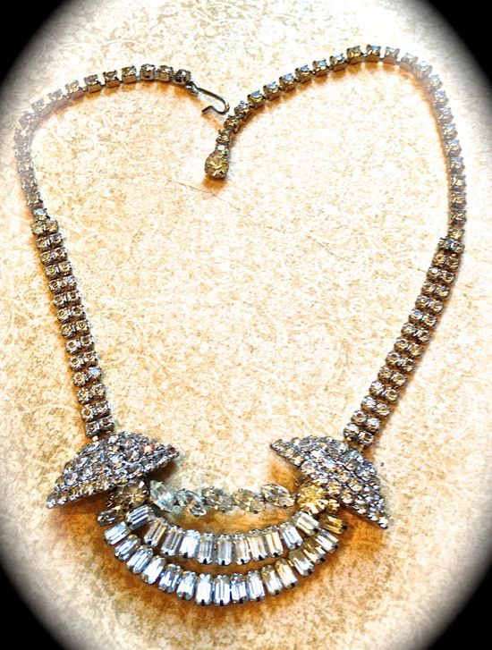 Stunning rhinestone  necklace by JNPVintageJewelry on Etsy, $48.00