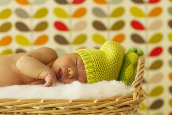 DIY newborn photoshoot.