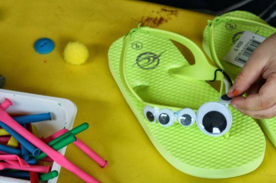Funky DIY decorating idea for kids' flip flops