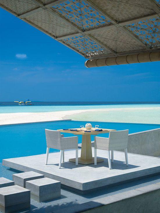 Four Seasons Resort Maldives at Landaa Giraavaru
