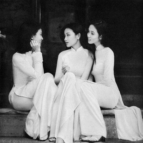 Traditional Vietnamese outfit, the ao dai, worn mostly by women.