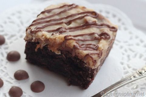 German chocolate brownies with coconut frosting -these are to die for! iheartnaptime.net #dessert #chocolate