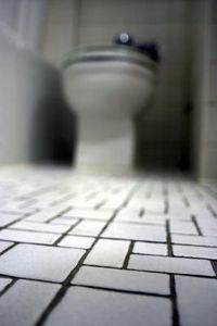 Small Bathroom Ceramic Tile Floor Design