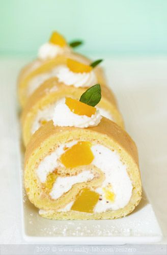 Peach and chocolate cake roll. #cake