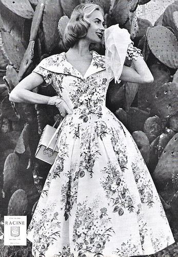 Precisely my kind of wonderfully pretty 1950s floral print dress. #vintage #1950s #fashion #dress