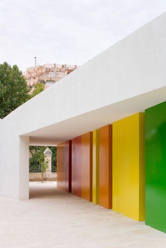 Elisa Valero.  Guardería y Comedor Municipal en los Mondragones.  Granada, Spain.  Fotografía Fernando Alda.