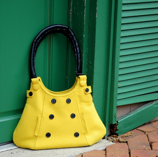 Love this yellow purse for fall...