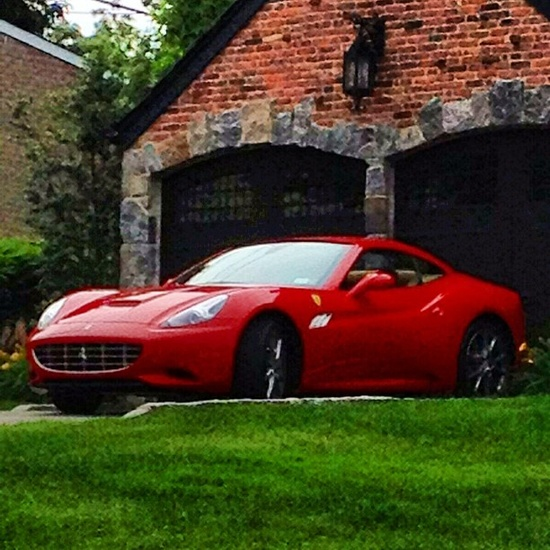 Nice car to be on the drive!-Ferrari F12