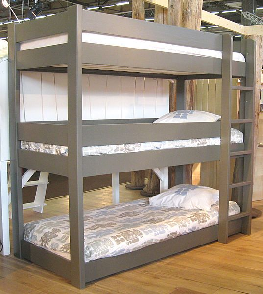 Stylish Triple Bunk Beds Made of Wood: Kids Triple Bunk Bed Unisex Design