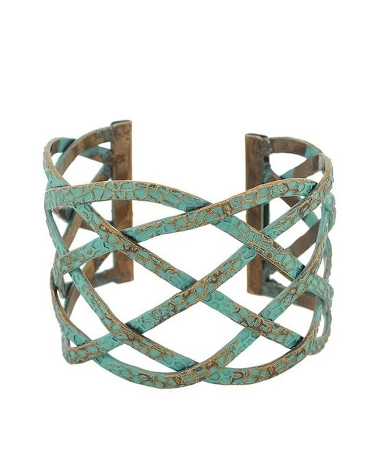 """original pinner said """"turquoise"""" but is it? it looks like a patina, not stonework. either way, it's lovely."""