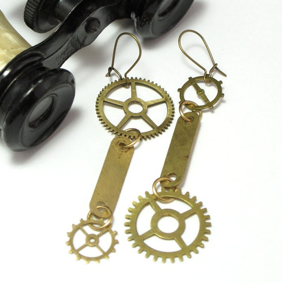 Vintage gears earrings by Mystic Pieces #steampunk #jewelry #mysticpieces #etsy