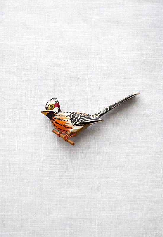 vintage brooch ? www.adoredvintage...