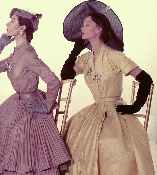 Completely beautiful early 50s pleats, hats, gloves, and glistening brooches. #vintage #1950s #fashion #dress