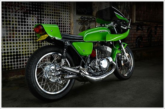 '76 Kawasaki KH500 -'Kermit' - Pipeburn - Purveyors of Classic Motorcycles, Cafe Racers & Custom motorbikes