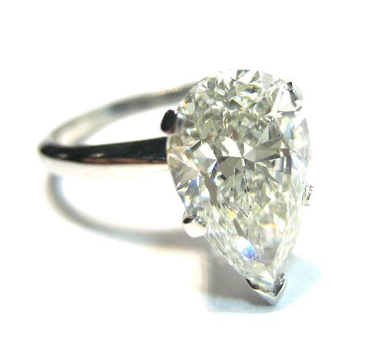 Pear-shaped diamond #engagement #ring