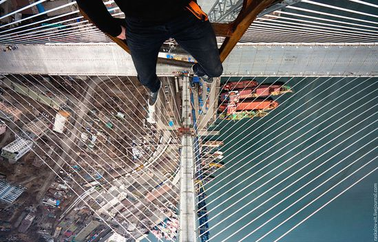 Heart-stopping Photos of Russian Daredevils Taken Without Any Safety Equipment