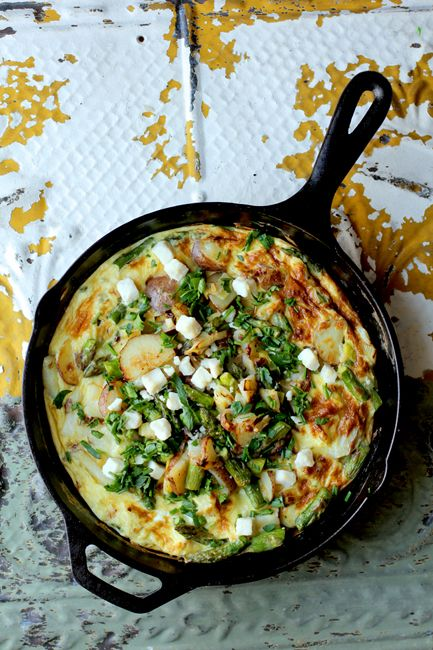 A Springtime Frittata and 4 easy tips for the perfect frittata every time!  www.BalancedPlatt...