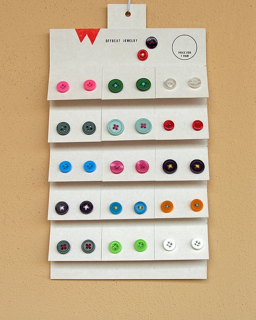 Tear-off earring cards... Genius! {craft booth display}