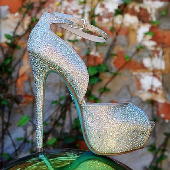 @Valerie got my shoes for her #wedding!