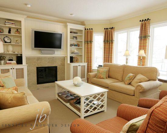 Aurora living room designed by Jennifer Brouwer Design. #jbd #intdesign #livingroom #familyroom #customdesign #millwork