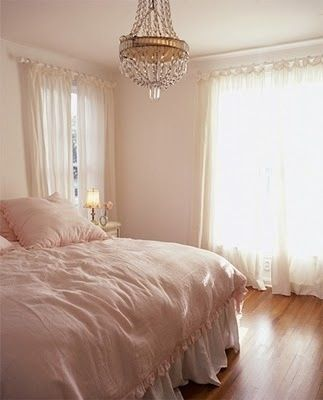 Shabby chic bedroom & chandelier - ideas - ideasforho.me/... -  #home decor #design #home decor ideas #living room #bedroom #kitchen #bathroom #interior ideas
