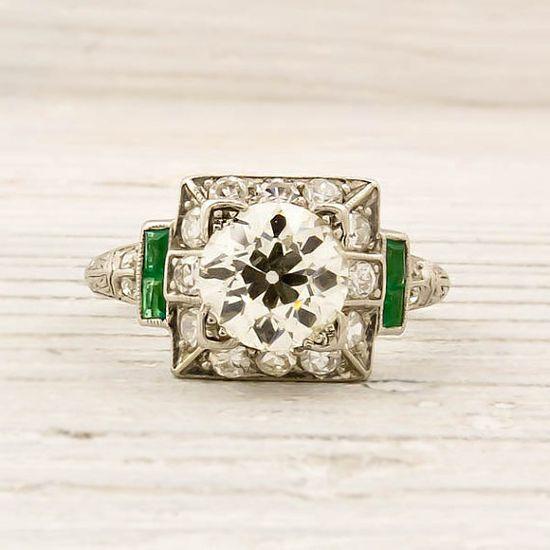 very pretty vintage diamond engagement ring