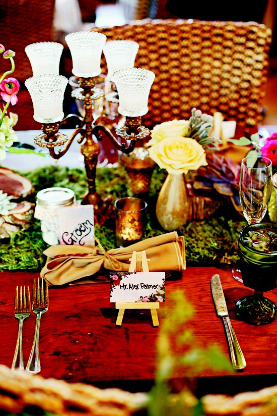 Fall trend -- Jewel Tones & Earthy Shades // Eclectic Images // Fall: 7 Hot Fall Wedding Trends to Steal Right Now